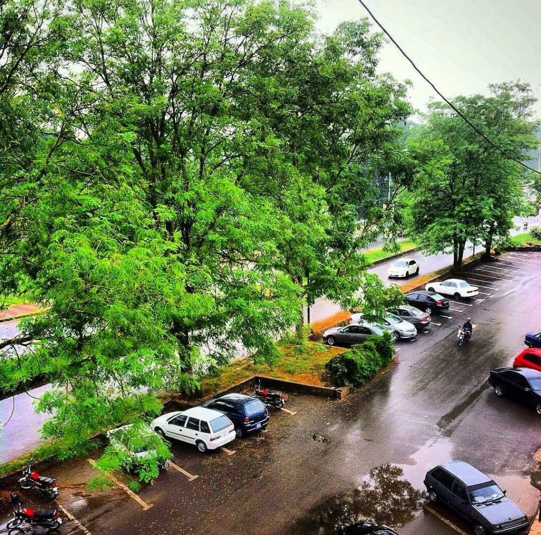 "Blue Area Yesterday Source: Facebook Page ""Islamabad The Heart of Pakistan"" https://www.facebook.com/IslamabadTheHeartOfPakistan/"
