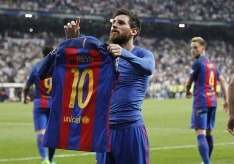 Messi Celebrating Soccer football moments 2017